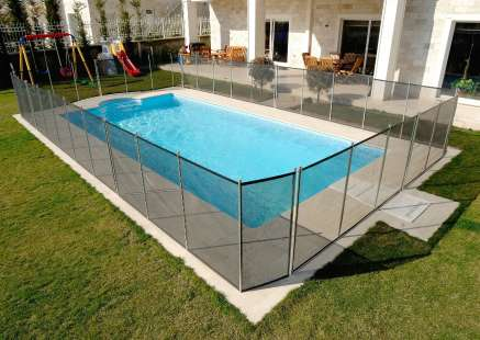 semi-framed pool fence by Cairns Pool Fencing